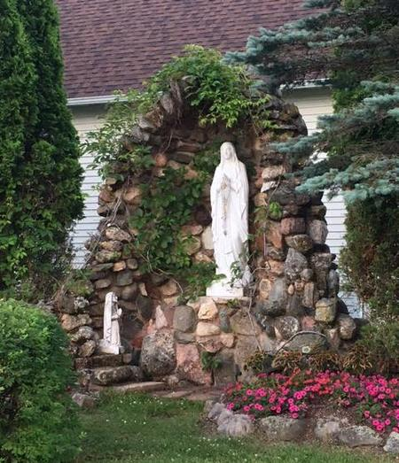 Marian Grotto at St. Peter's in Dauby, WI